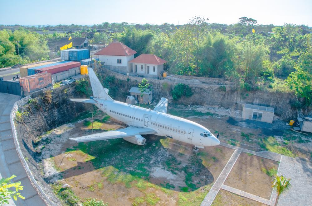 Flugzeugwrack in Uluwatu