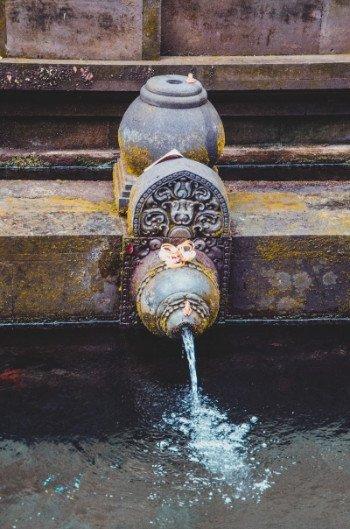 Wasserquelle beim Wassertempel Pura Tirta Empul bei Ubud