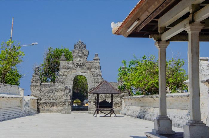 Uluwatu Tempel - der innere Hof