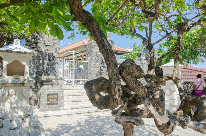 Innenhof Uluwatu Tempel