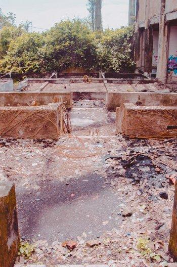 Total zerfallen: Grundriss der Eulenhalle bei Taman Festival