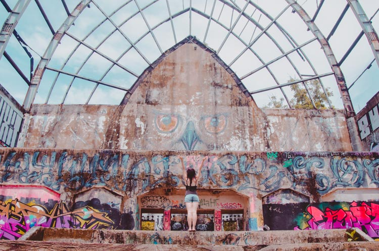 Die Eulenhalle in Taman Festival