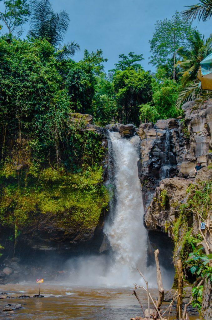 Tegenungan Wasserfall von Weitem