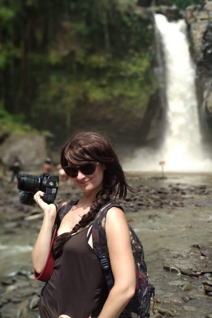 Selfie vor dem Tegenungan Wasserfall