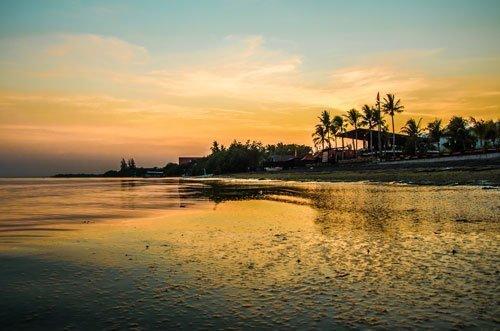 Lovina Beach bei Sonnenaufgang