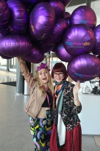 PING Festival 2019 mit Bloggern und lila Ballons