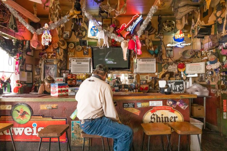 11th St Cowboy Bar, Bandera - Bar - Travel Texas
