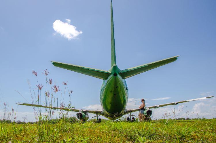 Flugzeugwrack Negara Bali on a sunny day