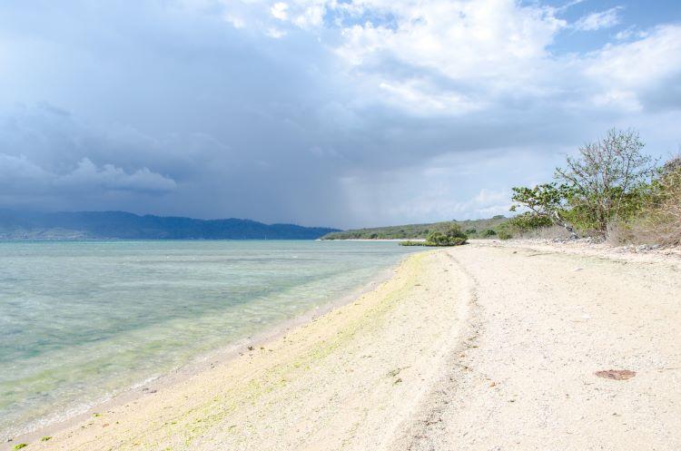 weißer Strand am Westbali Nationalpark