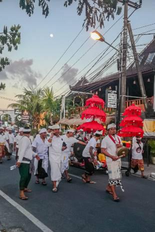 Prozession in Canggu, Bali