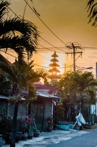 das Dorf Cemagi bei Sonnenuntergang