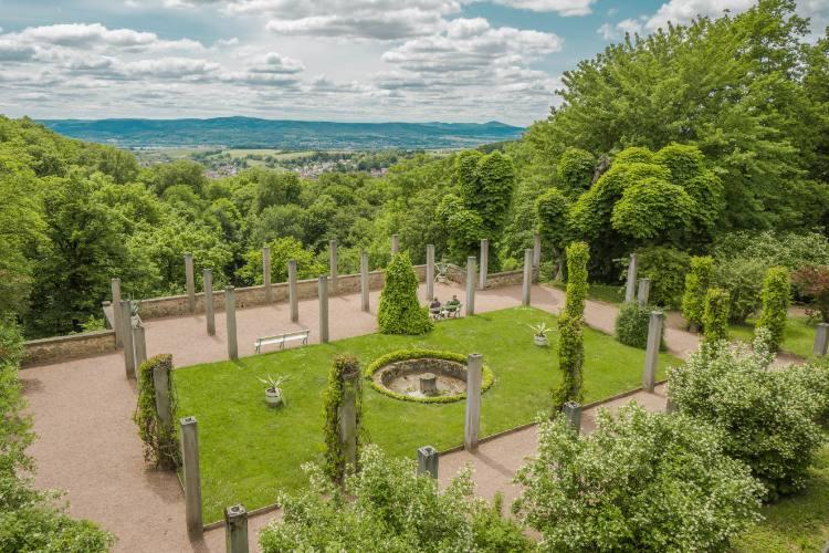 Parkanlage beim Altensteiner Schloss am Rennsteig