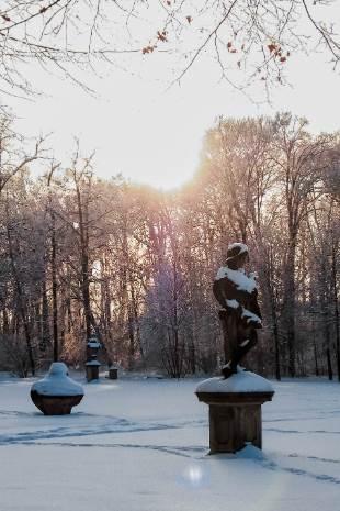 Lapidarium im Winter bei Schloss Molsdorf