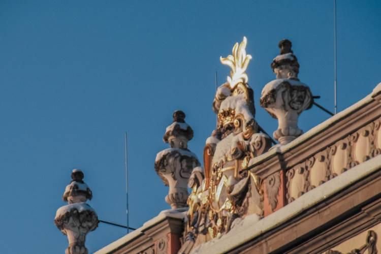 Verziertes Dach bei Molsdorf Schloss