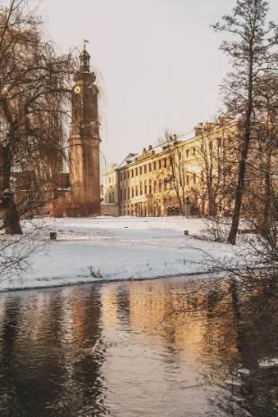 Stadtschloss Weimar im verschneiten Winter