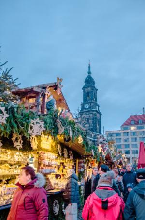 Glühweinbuden am Dresdener Striezelmarkt