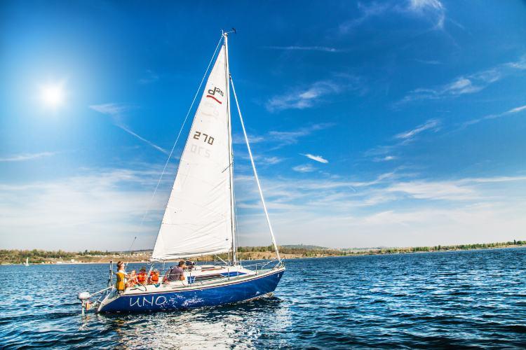 Segelboot auf dem Geiseltalsee