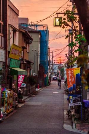 Straßen Shibamatas bei Sonnenuntergang