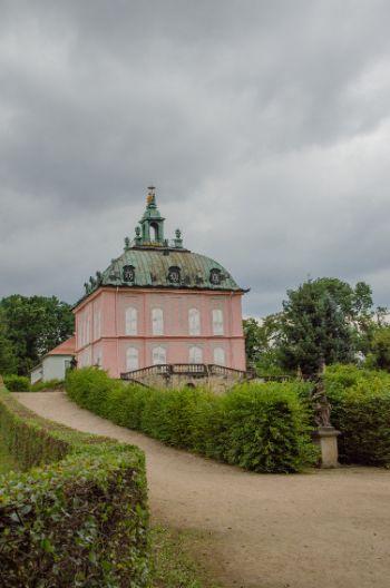 Pinkes Fasanenschlösschen in Sachsen