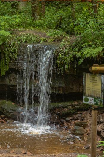 der Amselfall mit Wasser bei Jena